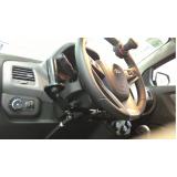 acelerador a esquerda em carro orçamento Bauru
